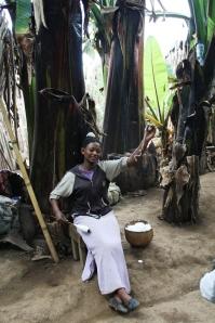 Mujer Dorse trabajando el algodón